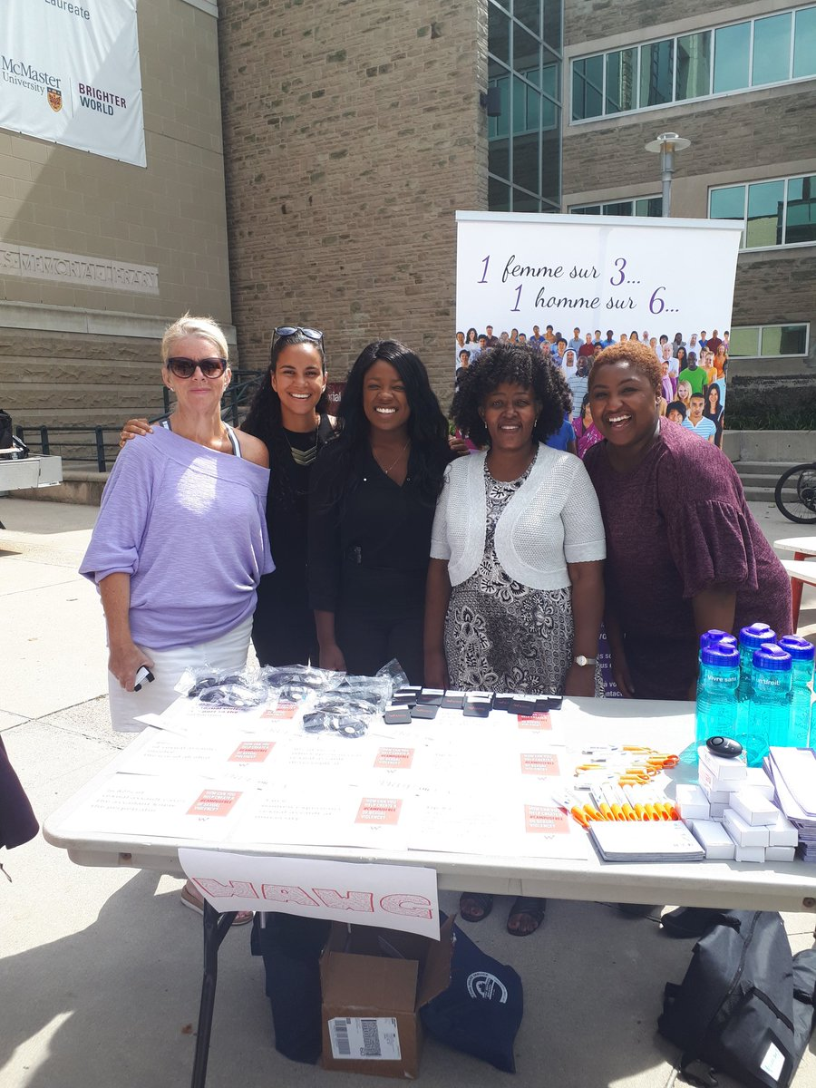 Blog Post Image of 5 women at the McMaster Resource Fair Aug 2018